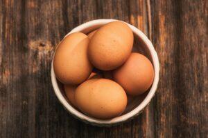 Skål med æg