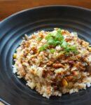 Kogte ris på tallerken